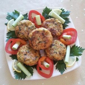 Aranjament cu praz si chiftelute de legume