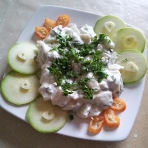 Salata cu fasole verde, dovlecei si usturoi