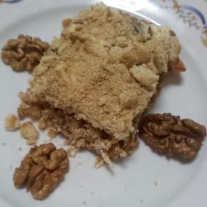 tort de mere cu biscuiti si nuca